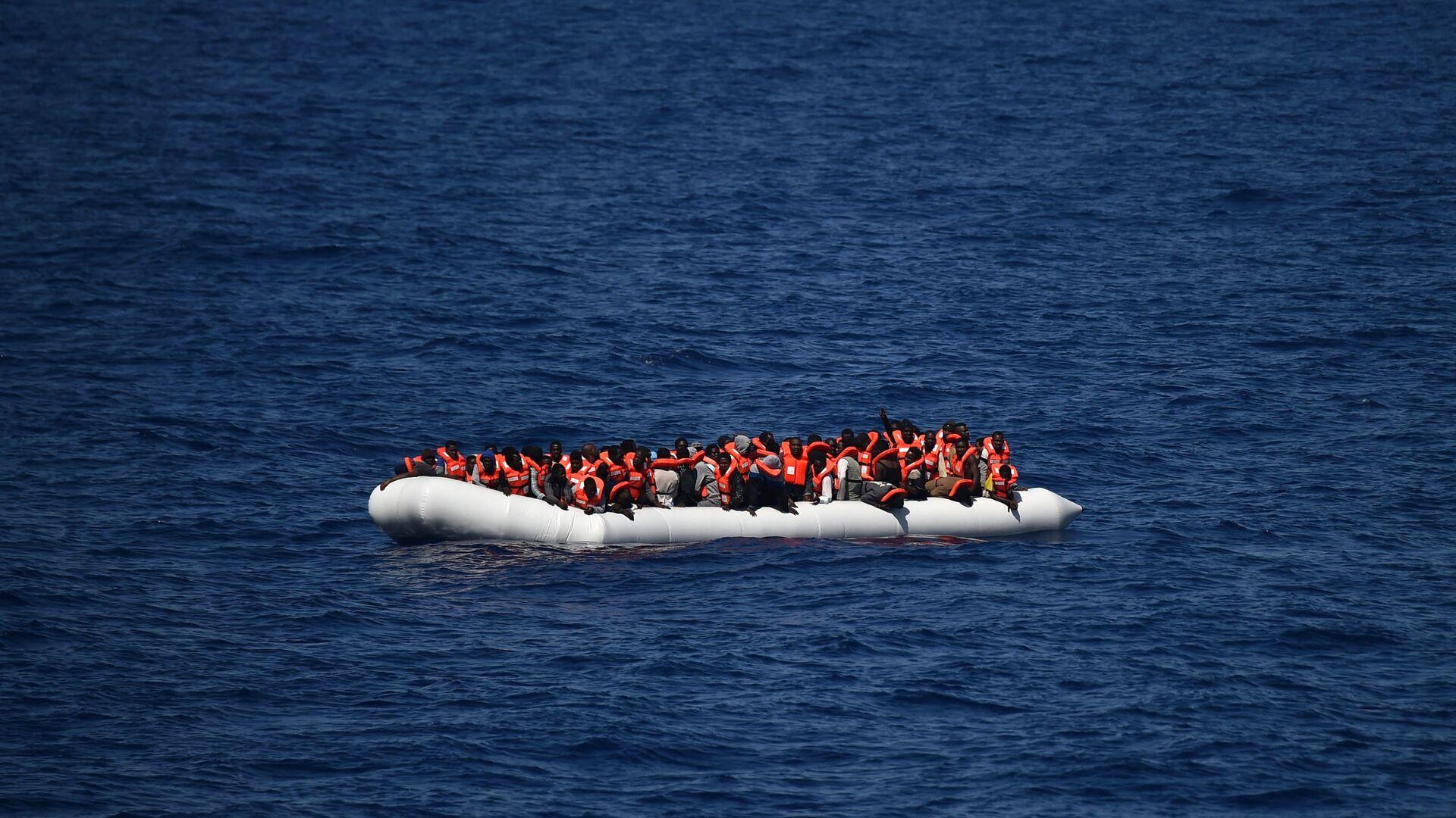 Migrants en mer Méditerranée - Sputnik France, 1920, 13.08.2021