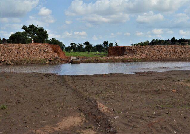 Un barrage destiné à alimenter en eau deux villages, Sidiki et Konkoagou, dans le nord du Togo, mais deux pluies torrentielles en sont venues à bout