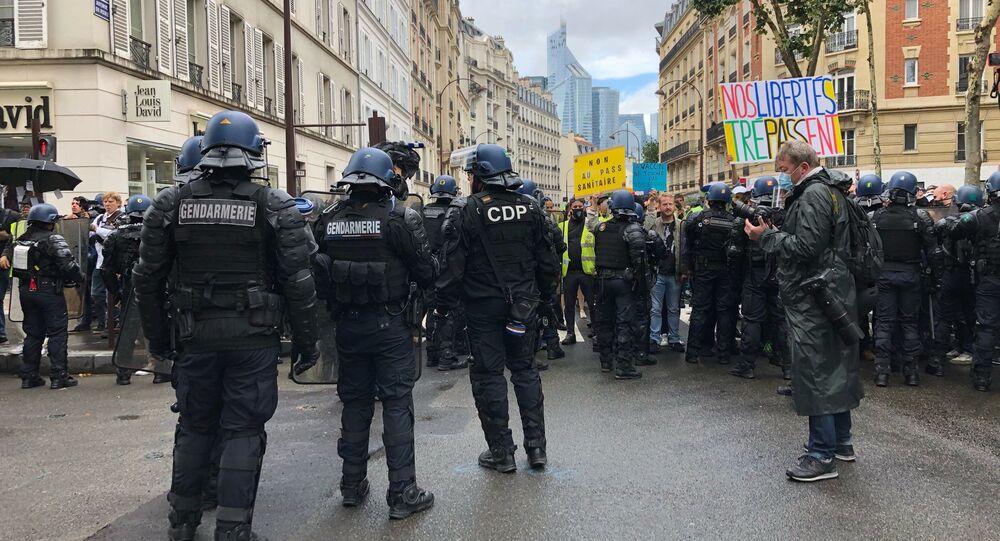 Une manifestation anti-pass sanitaire à Paris