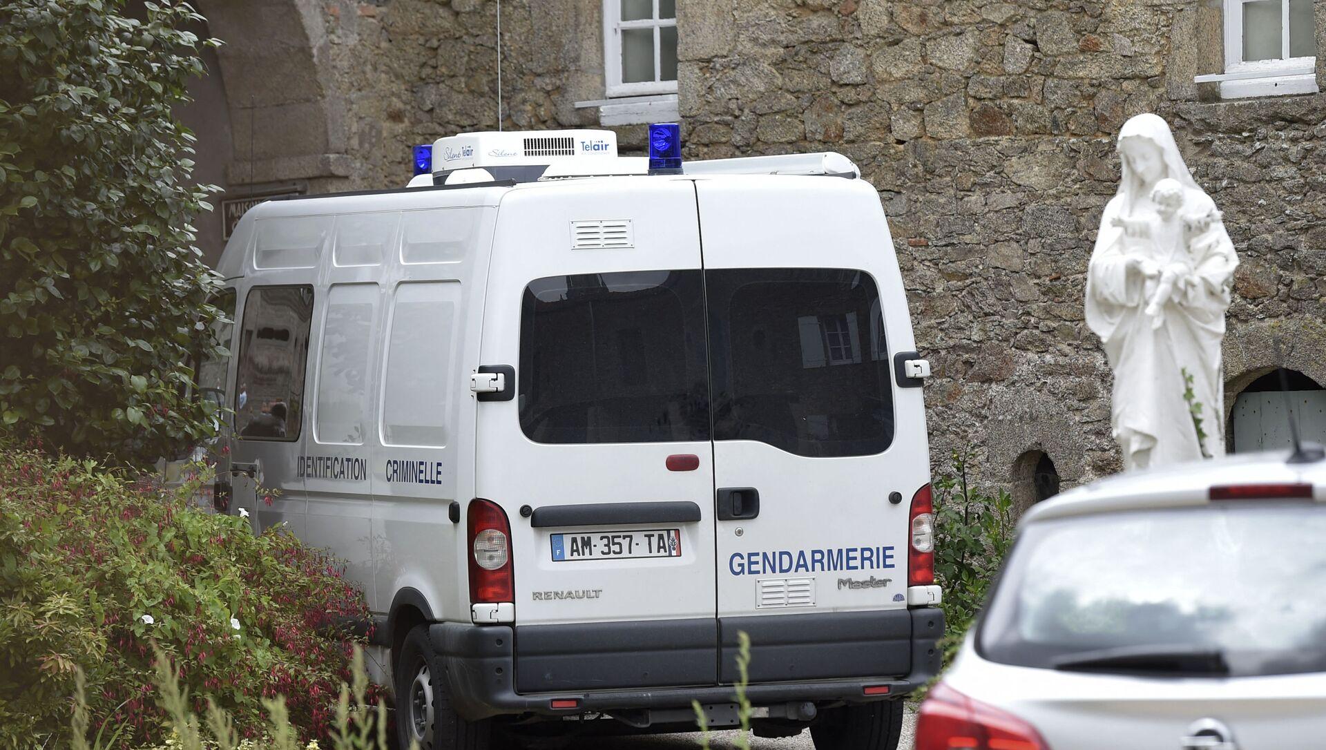 Saint-Laurent-sur-Sevre, l'investigation en cours sur le lieu d'assassinat d'un prêtre catholique - Sputnik France, 1920, 13.08.2021