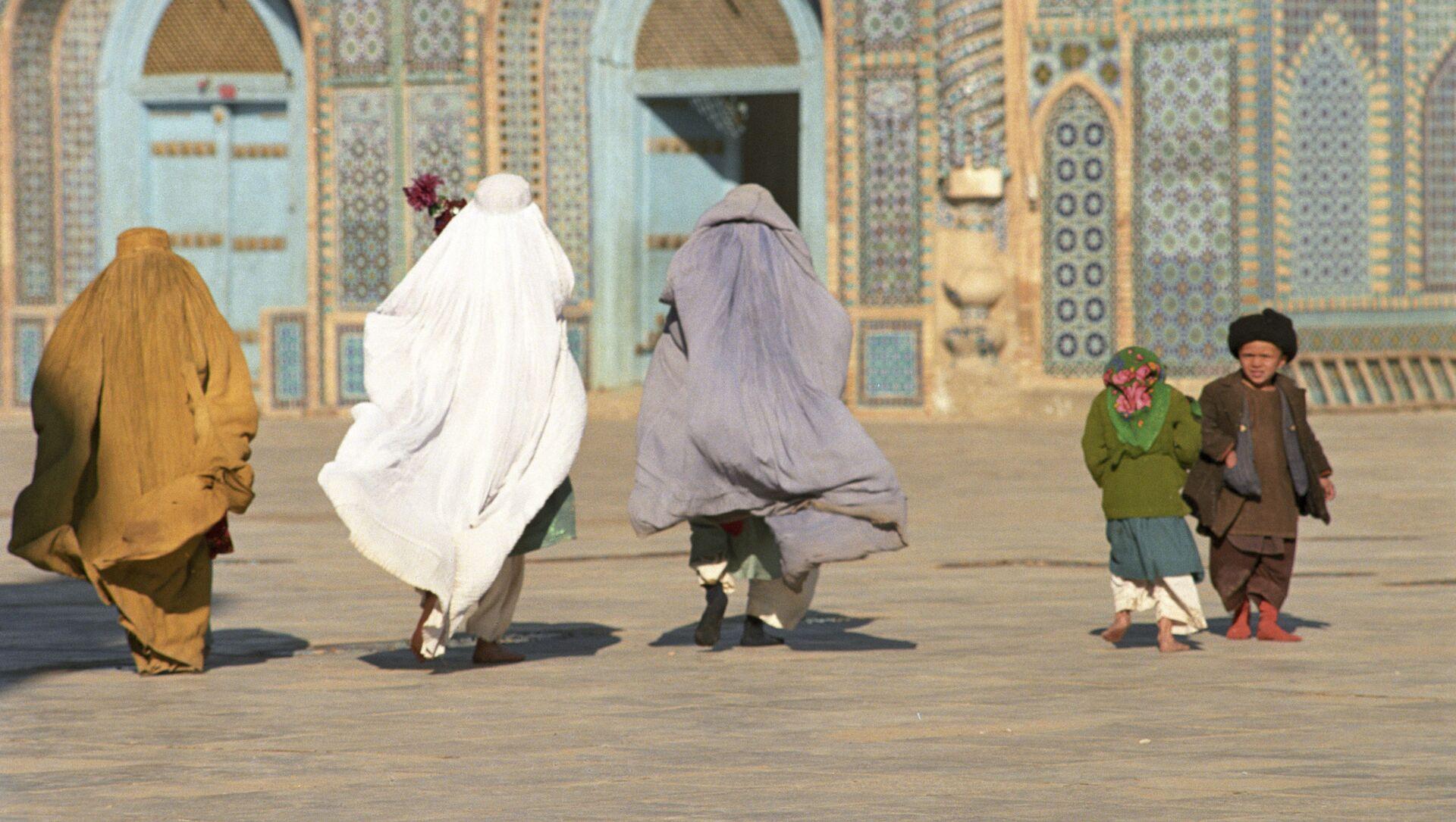 Femmes afghanes à Mazâr-e Charîf, Afghanistan - Sputnik France, 1920, 17.08.2021