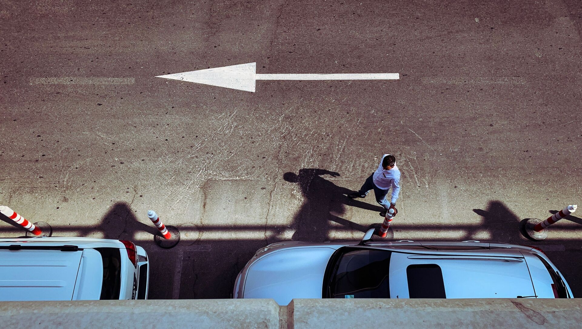 Un homme près d'une voiture, image d'illustration - Sputnik France, 1920, 11.09.2021