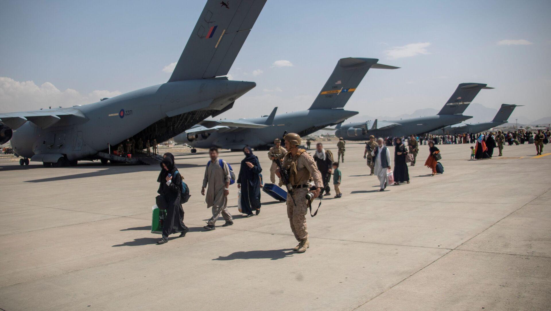 l'évacuation des civils afghans depuis Kaboul (image d'illustration) - Sputnik France, 1920, 24.08.2021