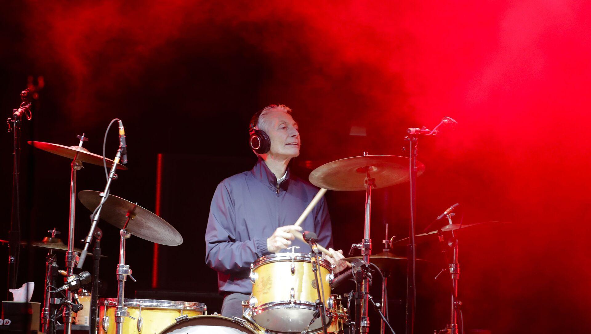 Charlie Watts lors de la tournée No Filter des Rolling Stones en Europe, septembre 2017 - Sputnik France, 1920, 24.08.2021