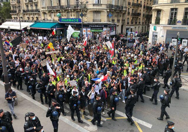 Septième week-end consécutif de mobilisation anti-pass sanitaire à Paris