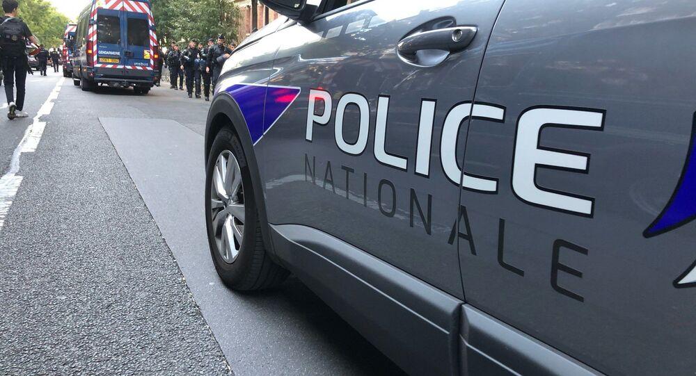 Voiture de police nationale à Paris