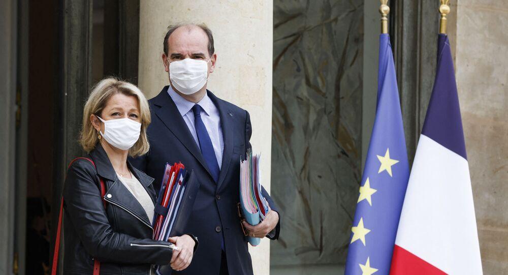 La ministre de la Transition écologique Barbara Pompili et le Premier ministre Jean Castex, le 23 Juin 2021 (Ludovic MARIN / AFP)