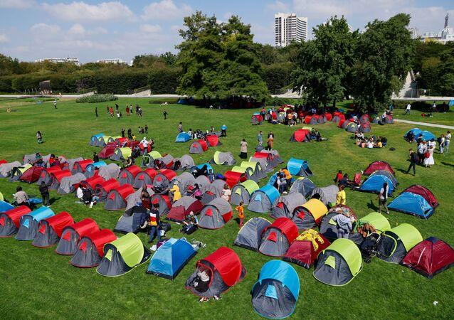 Le camp de migrants devant la préfecture d'Ile-de-France