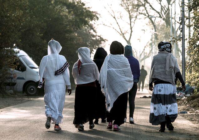 Des femmes voilées en France, 2016