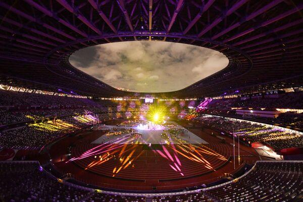 Président du Comité international paralympique, Andrew Parsons a déclaré la clôture des XVIes Jeux paralympiques d'été à Tokyo. La flamme des Jeux paralympiques de 2020 a été éteinte.  Sur la photo: cérémonie de clôture des Jeux paralympiques d'été à Tokyo. - Sputnik France