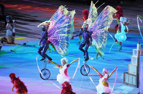 Au classement des médailles des Jeux paralympiques, la première place est détenue par l'équipe chinoise avec 96 médailles d'or, 60 d'argent et 51 de bronze. L'équipe nationale du Royaume-Uni (41-38-45) occupe la deuxième position. L'équipe des États-Unis s'est classée troisième (37-36-31). Sur la photo: représentation théâtrale lors de la cérémonie de clôture des XVIes Jeux paralympiques d'été à Tokyo. - Sputnik France