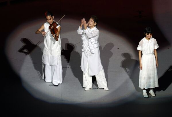 Les organisateurs ont décidé d'organiser les Jeux en l'absence de spectateurs en raison de la situation épidémiologique au Japon. Sur la photo: prestation des artistes lors de la cérémonie de clôture des XVIes Jeux paralympiques d'été à Tokyo. - Sputnik France