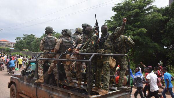 Les Guinéens sont sortis dans la rue pour célébrer le coup d'État  - Sputnik France