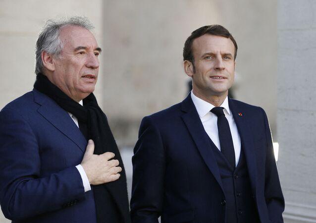 Le Président de la République Française Emmanuel Macron et le Haut-commissaire au Plan François Bayrou à Pau, janvier 2020