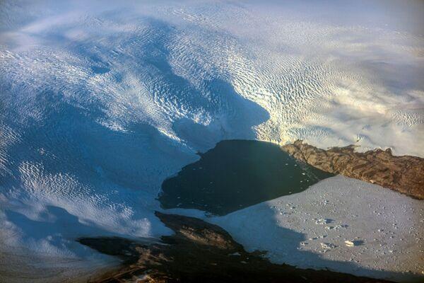 Le 29 juillet, l'aéroport de Nerlerit Inaat, dans l'est du Groenland, a enregistré la température la plus élevée depuis le début des observations: +23,4 degrés.Sur la photo: fonte des glaciers sur la côte est du Groenland. - Sputnik France
