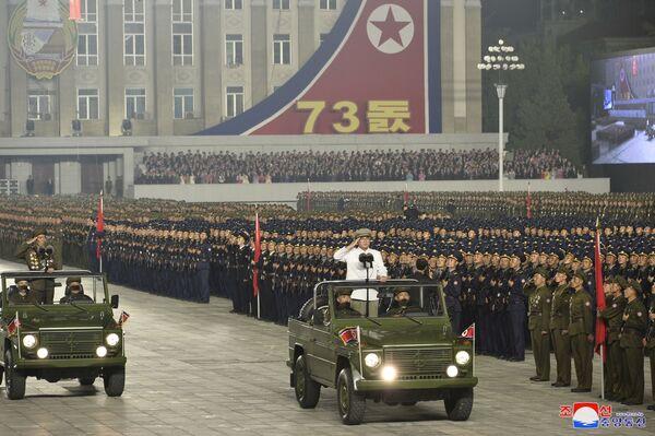 La préparation du défilé a été rapportée par l'armée sud-coréenne. Selon elle, début septembre, environ 10.000 militaires ont été aperçus à Pyongyang, ce qui pourrait indiquer un événement à venir. - Sputnik France
