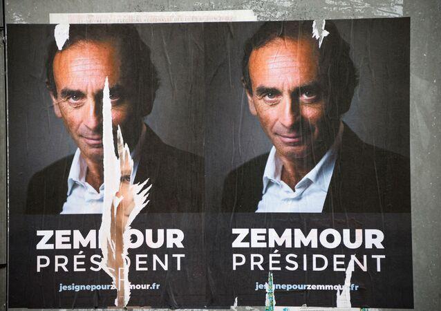 Une affiche de campagne du polémiste Eric Zemmour à Paris, juin 2021