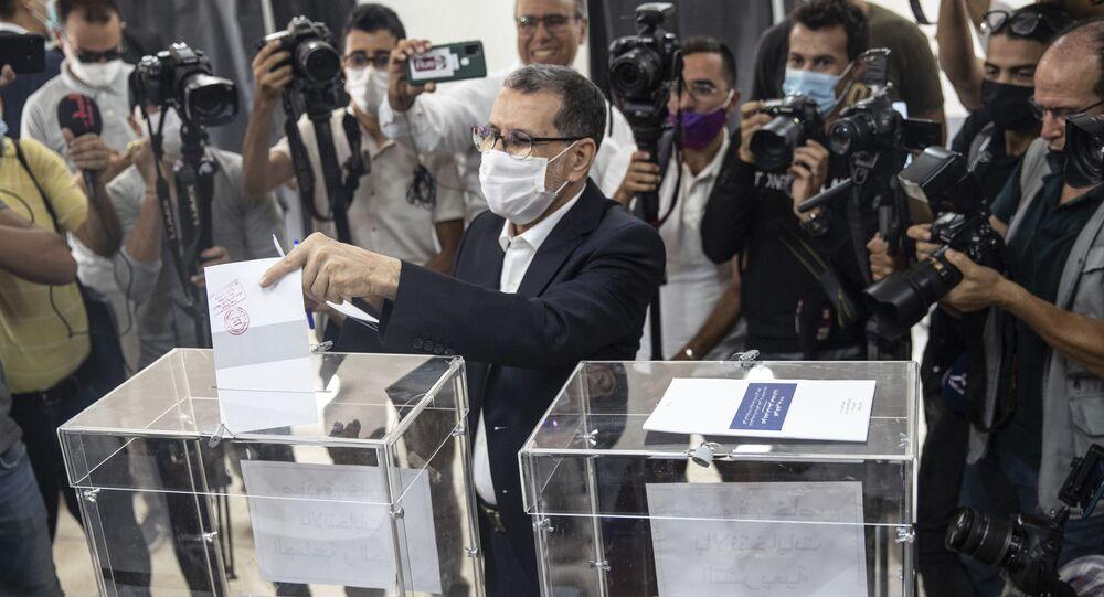 Saadeddine Othmani, leader du PJD et Premier ministre sortant, vote dans sa commune de Salé, le 8 septembre 2021