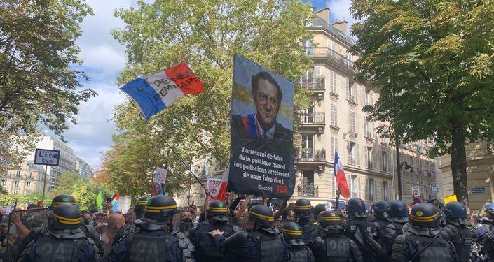 Pass sanitaire: nouveau samedi de mobilisation à Paris