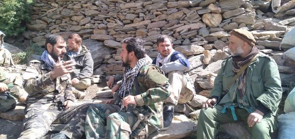 Les médias occidentaux confirment également des informations sur les actions de l'armée de l'air pakistanaise. Comme le rapporte la chaîne de télévision Fox News, citant sa source au Pentagone, vingt-sept hélicoptères de l'armée de l'air pakistanaise, ainsi que des unités des forces spéciales, interviennent dans le Panchir. - Sputnik France