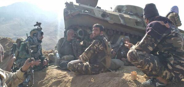 Bien que les opposants aux nouvelles autorités du pays n'aient pas encore reconnu officiellement leur défaite, les talibans* s'apprêtent à annoncer la composition du gouvernement de l'émirat islamique d'Afghanistan, qui sera dirigé par le mollah Mohammad Hassan Akhund. Pour légitimer ce processus, des délégations étrangères ont été invitées à l'investiture du nouvel exécutif. Selon Al Jazeera, des invitations ont été envoyées à l'Iran, au Pakistan, à la Turquie, au Qatar ainsi qu'à la Russie et à la Chine. - Sputnik France