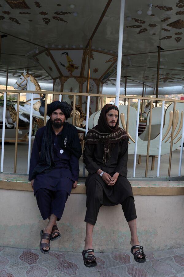 La plupart des talibans* sont des gens peu instruits, voire analphabètes, comme d'ailleurs la majorité de la population afghane. Le principal apport de la civilisation pour eux est le fusil d'assaut Kalachnikov, et la plus haute justice est la charia. - Sputnik France