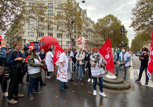 Manifestation du personnel soignant à l'appel de la CGT à Paris contre l'obligation vaccinale, le 14 septembre 2021