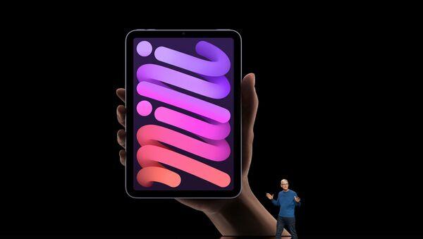 Apple CEO Tim Cook unveils the new iPad mini, September 14, 2021.   - Sputnik France