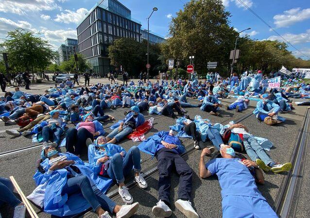 Manifestation des infirmiers anesthésistes diplômés d'État (IADE) à Paris, le 16 septembre 2021