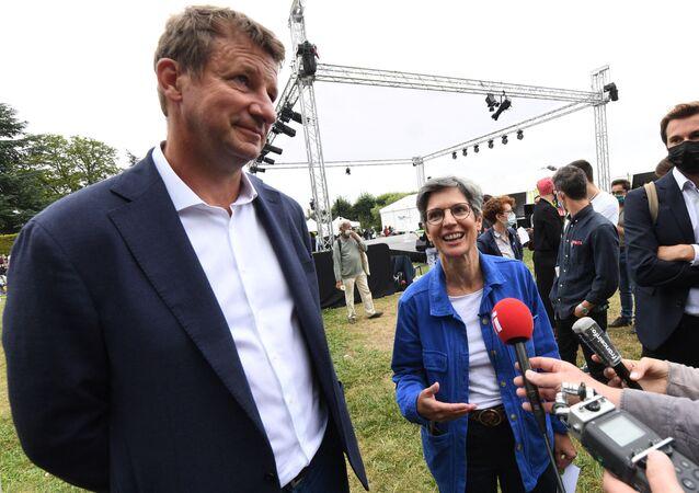 Yannick Jadot et Sandrine Rousseau, placés en tête du premier tour de la primaire écologiste