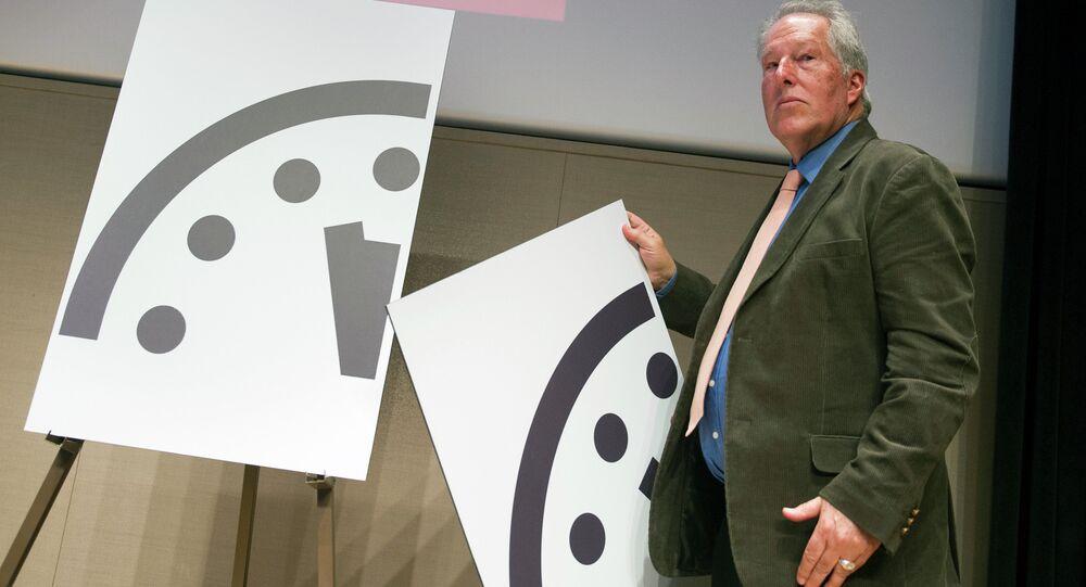 Apocalypse: l'horloge indique minuit moins trois (scientifiques)