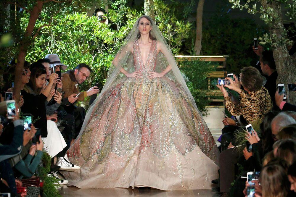 Fashion Week: un air de printemps flotte sur Paris