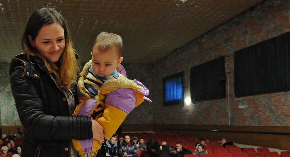 Réfugiés de l'Ukraine reçoivent des prestations sociales dans l'hébergement temporaire dans la région de Rostov