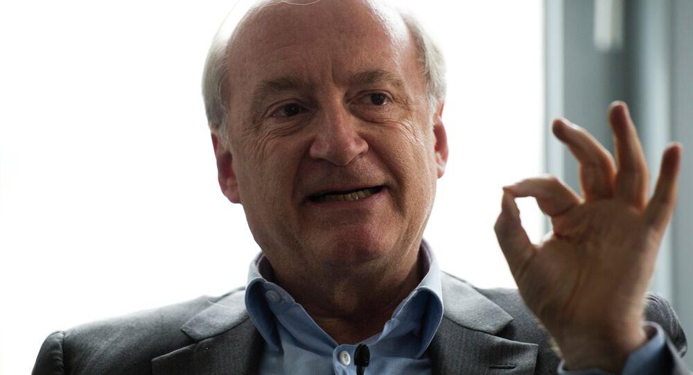 L'ancien ministre des Affaires Étrangères de France Hubert Vedrine