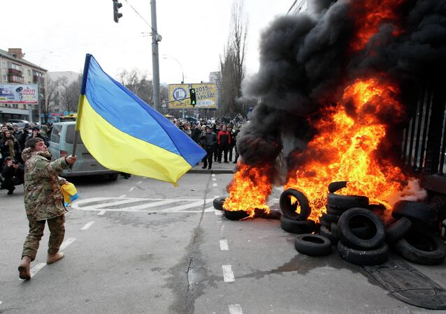 des pneus brûlés en Ukraine