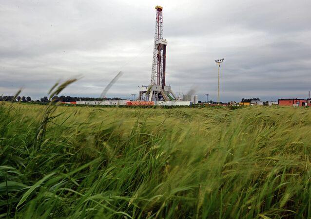 Un puits de forage de gaz de schiste du  géant pétrolier américain Chevron en Pologne