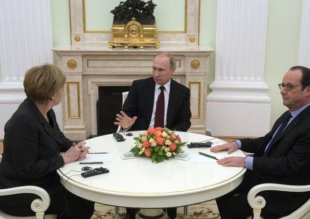 La rencontre Poutine-Merkel-Hollande à Moscou