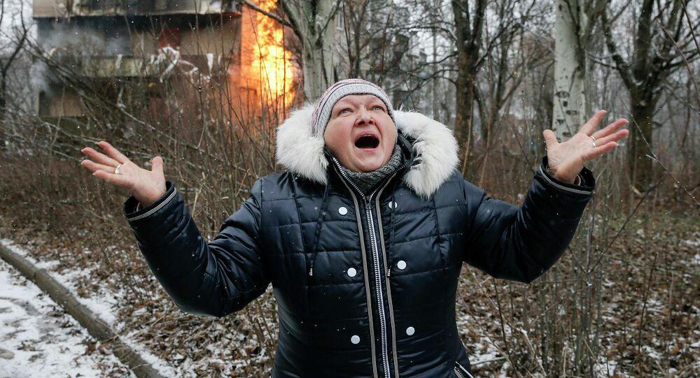 Une femme à Donetsk