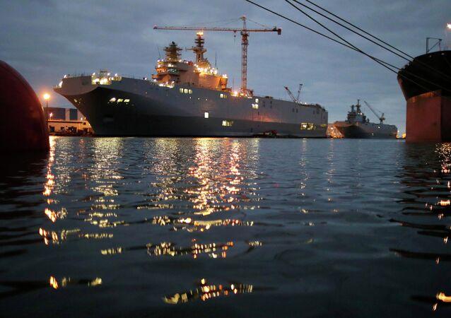 Le deuxième porte-hélicoptères de classe Mistral construit pour la Russie (baptisé Sébastopol)