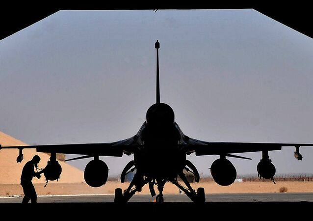 Chasseur F-16