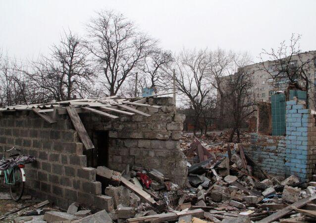 Après un bombardement à Debaltsevo