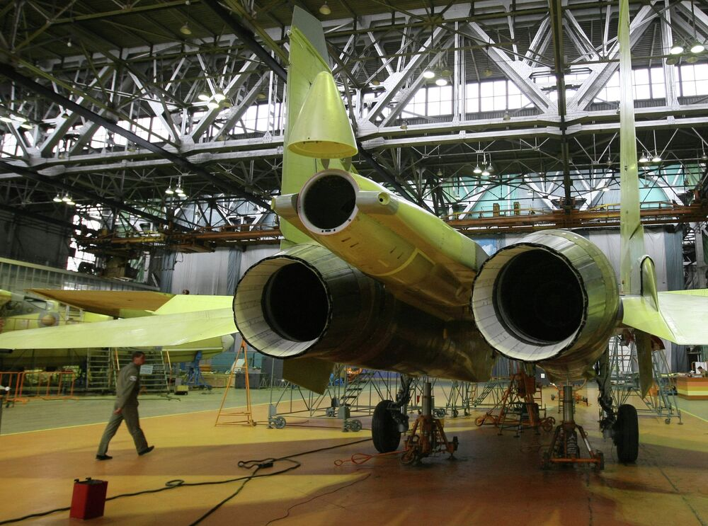L'assemblage d'un Su-30MKI à l'usine de construction aéronautique d'Irkoutsk