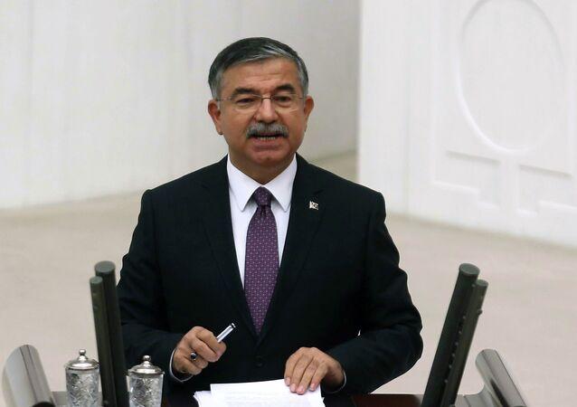 Le ministre turc de la Défense Ismet Yilmaz (Archives)