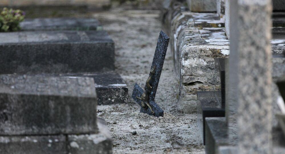 Un crucifix renversé à Tracy-sur-Mer, dans le Calvados