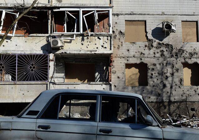 Un bâtiment détruit à Donetsk