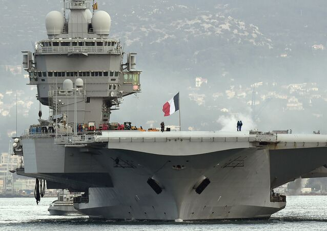 Porte-avions français Charles de Gaulle