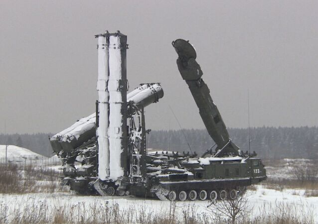 Missiles russes Antey-2500, une version modernisée des S-300