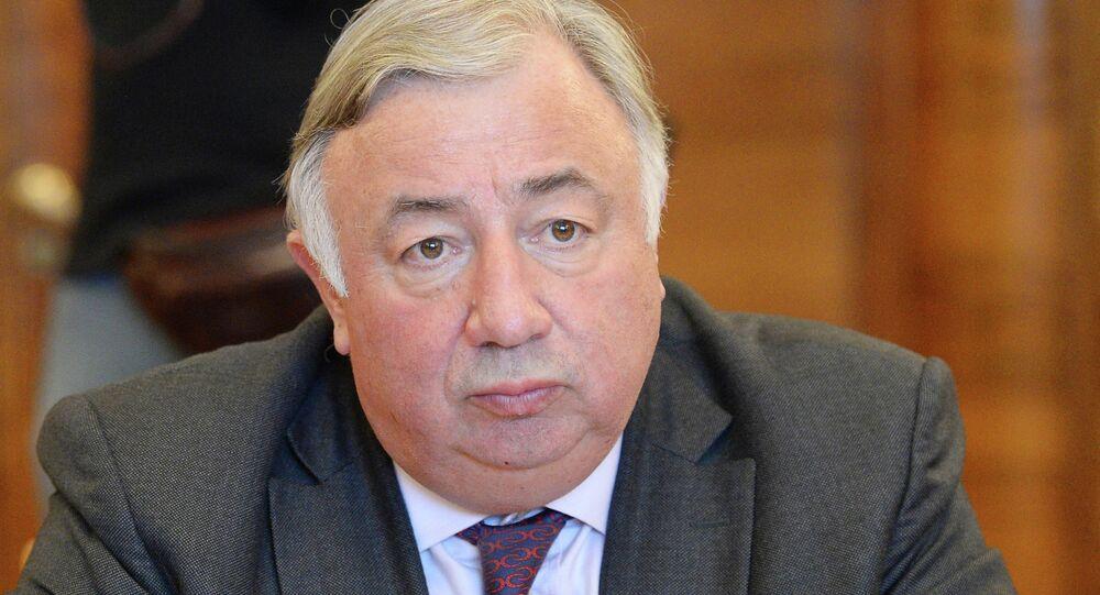 Le président du Sénat français Gérard Larcher lors de sa visite à Moscou