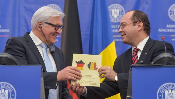 German Foreign Minister Frank-Walter Steinmeier, left, and his Romanian counterpart, Bogdan Aurescu - Sputnik France