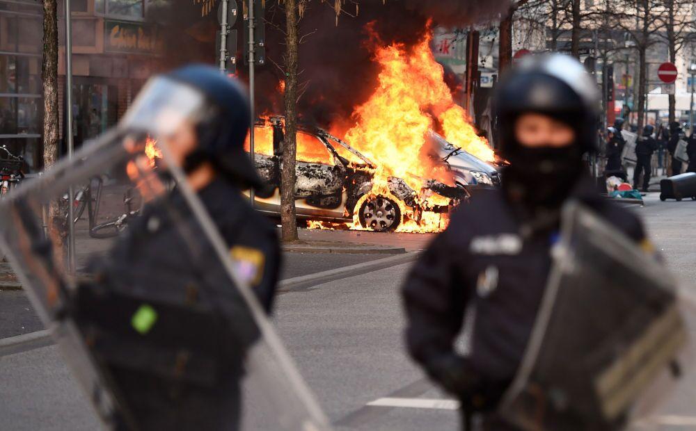 En images: protestations contre la BCE à Francfort-sur-le-Main